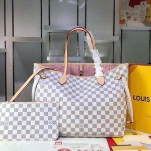 Louis Vuitton 17 x 11 x 6